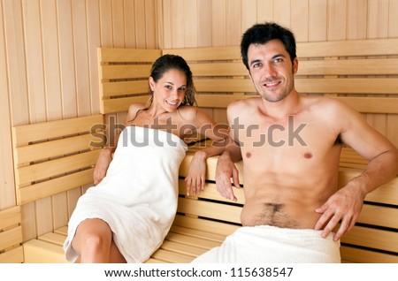 двое в сауне отдыхают