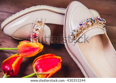 beige female shoes with rhinestones Italian shoes fashion