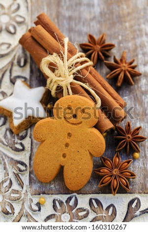 Christmas Spices, ginger and anise stars with cinnamon sticks