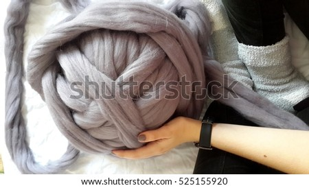 coarse thread with wool