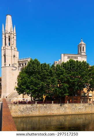 Collegiate Church of Sant Feliu and Gothic Cathedral from river. Girona, Catalonia