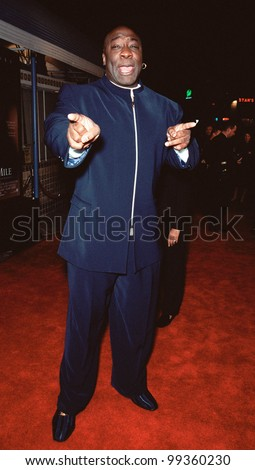 """06DEC99: Actor MICHAEL CLARKE DUNCAN at the world premiere, in Los Angeles, of his new movie """"The Green Mile"""" in which he stars with Tom Hanks.  Paul Smith / Featureflash - stock photo"""