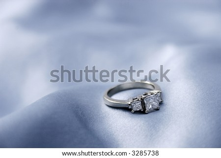 3 diamond engagement ring