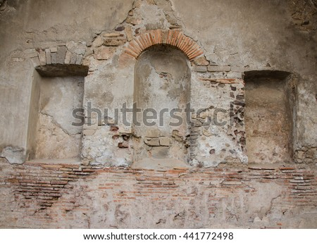 empty shrine in Pompeii