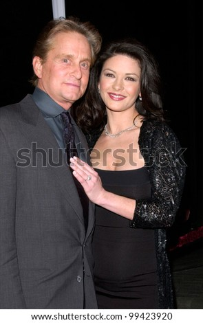"22FEB2000: Actor MICHAEL DOUGLAS & actress fiance CATHERINE ZETA-JONES at the world premiere of his new movie ""Wonder Boys"" in Hollywood.  Paul Smith / Featureflash - stock photo"