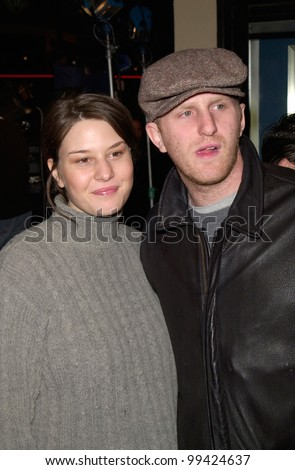 "28FEB2000: Actor MICHAEL RAPPAPORT & wife at the world premiere, in Los Angeles, of ""Drowning Mona"" which stars Bette Midler, Neve Campbell, Danny DeVito & Jamie Lee Curtis.  Paul Smith / Featureflash"