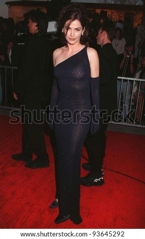 22FEB97: NYPD Blue star KIM DELANEY at the Screen Actors Guild Awards.   Pix: PAUL SMITH
