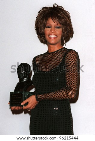 27FEB98: Singer WHITNEY HOUSTON at the Soul Train Awards where she was presented with the 1998 Quincy Jones Award for Career Achievement. Picture: Paul Smith / Featureflash