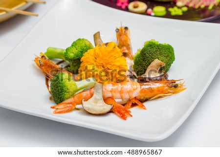 fried blocolli with shrimp