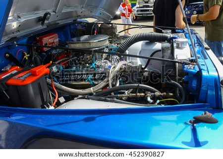 GLOUCESTER, VA - JULY 9, 2016: A Chevrolet engine in a Jeep Wrangler at the Collector Car Appreciation 
