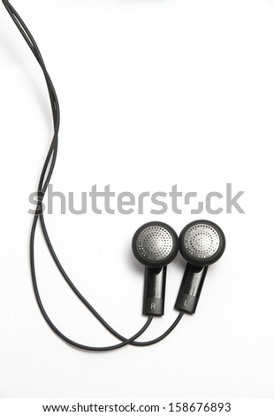 headphones are small and without headband, but are inserted in the ear canal itself.