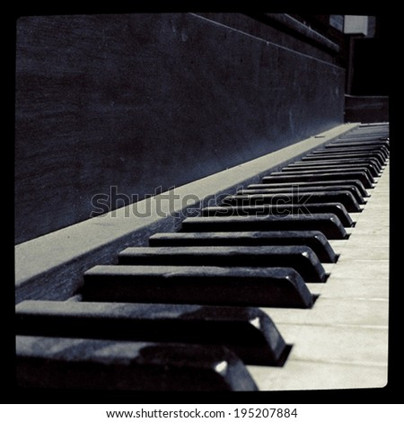 Old piano stock images royalty free images vectors for Smallest piano size