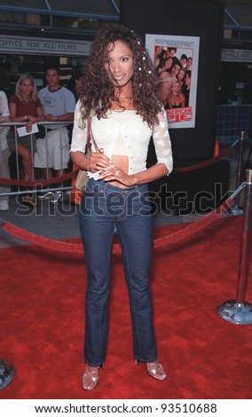 "07JUL99:  ""Baywatch"" star TRACI BINGHAM at the world premiere of ""American Pie"" at Universal City, Hollywood.  Paul Smith / Featureflash"