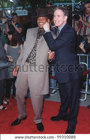 "28JUN99:  Actors WILL SMITH (left) & KEVIN KLINE at the world premiere of their new movie ""Wild Wild West"" in Los Angeles.  Paul Smith / Featureflash"