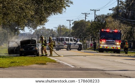 2/16/2014 Largo Florida Largo Fire Rescue Battling a Car Fire. Largo is a City located in Pinellas County Florida.
