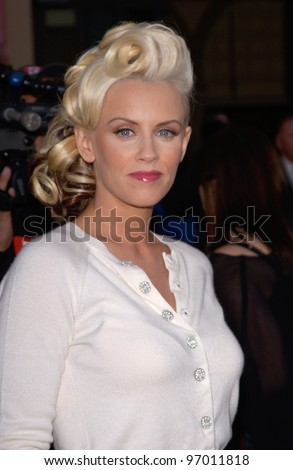 20041114: Los Angeles, CA: Actress JENNY McCARTHY at the 32nd Annual American Music Awards at the Shrine Auditorium, Los Angeles, CA.