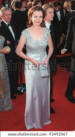 "21Mar99""  Actress EMILY WATSON at the 71st Academy Awards.  Paul Smith / Featureflash"