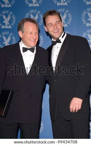 "11MAR2000: New Zealand-born actor RUSSELL CROWE (right) & ""The Insider"" director MICHAEL MANN at the Directors Guild of America Awards, in Los Angeles.  Paul Smith / Featureflash"