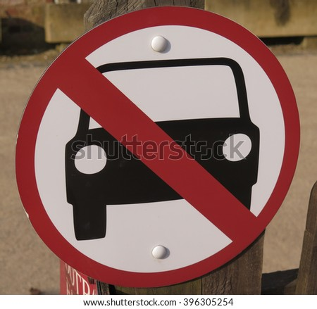 """""""No Cars"""" Sign in the Rural Village of Batsford near Moreton in Marsh within The Cotswolds, Gloucestershire, England, UK - stock photo"""