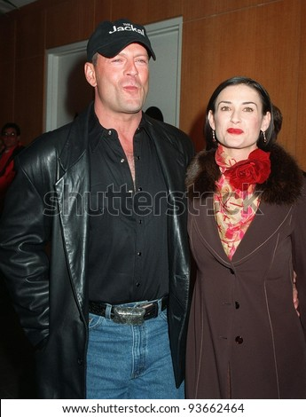 "10NOV97:  Actor BRUCE WILLIS & actress wife DEMI MOORE at world premiere, in Beverly Hills, of his new movie ""The Jackal."" Willis stars in the movie with Richard Gere."