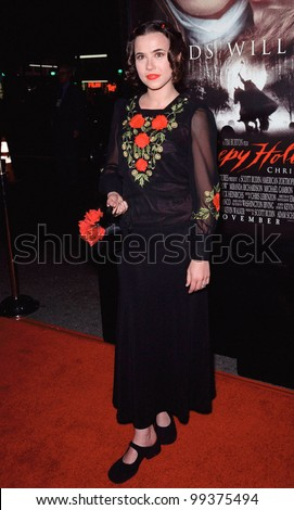 "17NOV99:  Actress LINDA CARDELLINI at the world premiere, in Hollywood, of  ""Sleepy Hollow"" which stars Johnny Depp & Christina Ricci.  Paul Smith / Featureflash - stock photo"