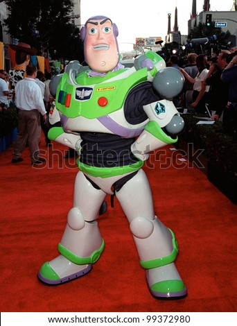 "13NOV99:  ""Toy Story"" character BUZZ LIGHTYEAR at the world premiere of Disney/Pixar's ""Toy Story 2"" at the El Capitan Theatre, Hollywood.   Paul Smith / Featureflash"