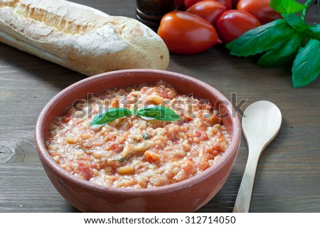 """Pappa al pomodoro"" dish typical Tuscan with tomato and bread"