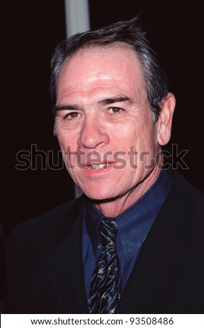 """21SEP99: Actor TOMMY LEE JONES at Los Angeles premiere of his new movie """"Double Jeopardy"""" in which he stars with Ashley Judd.  Paul Smith / Featureflash - stock photo"""