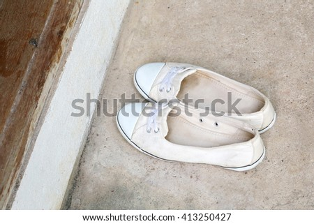 simple white women shoes