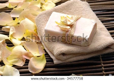 soap with rose petals �spa image