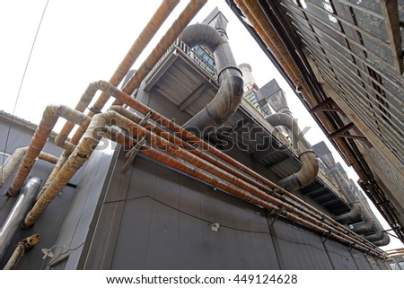 The pipeline on the industrial equipment