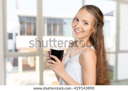 woman portrait with cup