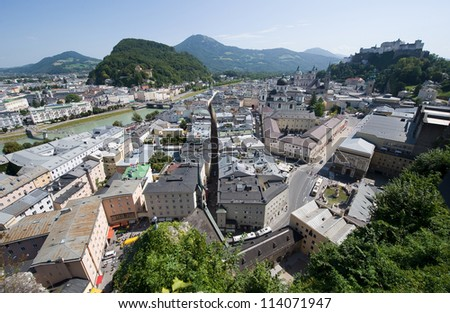 A 'birdview' from the centre of Salzburg, with right on top of the mountain 'the hohensalzburg fortress'.