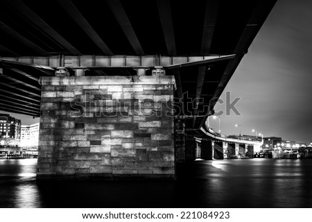 A bridge at night in Washington, DC.