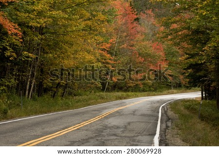 A country road in New Hampshire in autumn.