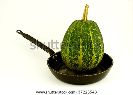 a Marrow unprepared in a frying pan