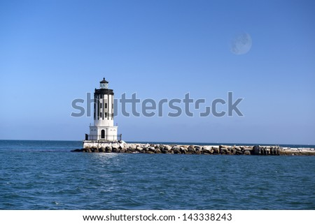 A picture of Angels Gate lighthouse on the breakwater in San Pedro California.