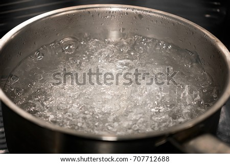 Boiling Water Steam Boiling Water Stock Im...