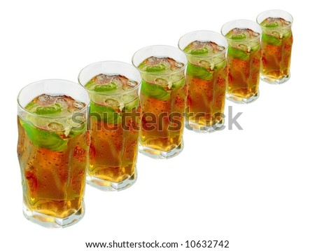 A row glass of ice tea