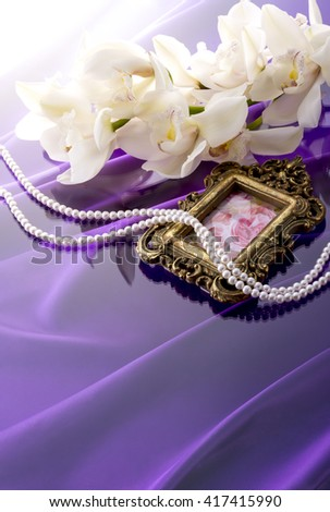 A scenery material of the photoframe and pearl