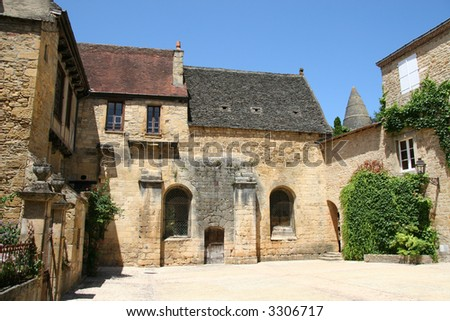 A typical french courtyard in the village of Sarlat