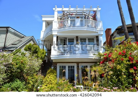 A variety of architectural styles of homes and estates in the Manhattan Beach City, CA