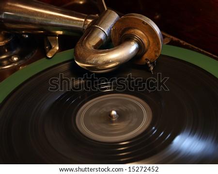 "A Victor ""Victrola"" Talking Machine (ca. 1922) - Closeup, revolving record - stock photo"