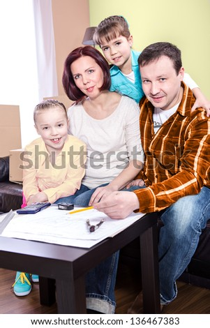 a young family by planning of a new home