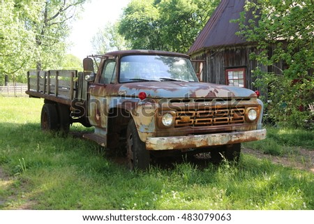 Abandon Old Truck on the Roadside in Texas picture taken on June 15th 2015