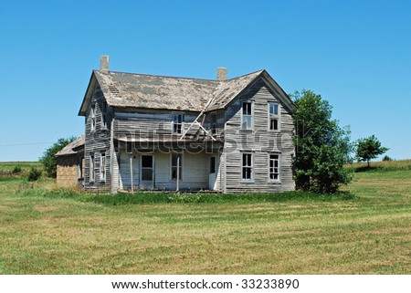 Abandoned farm house - stock photo