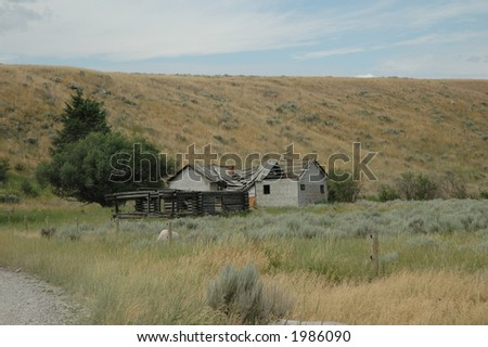 Abandoned house at 3 dollar bridge - stock photo