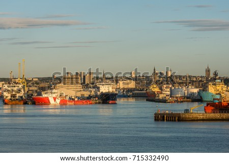 Aberdeen, Scotland, UK, August 30th 2017. Aberdeen harbour basin, ships, piers and city centre.