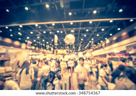 abstract blurred people shopping - products on sale