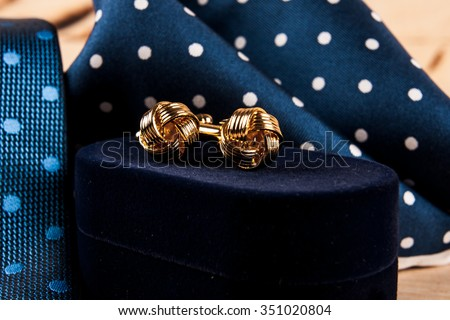 Accessories: butterfly, ties, cufflinks, for a classic suit